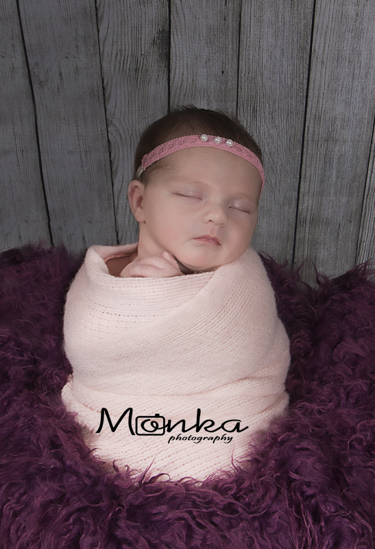 Newborn session at Monka Photography