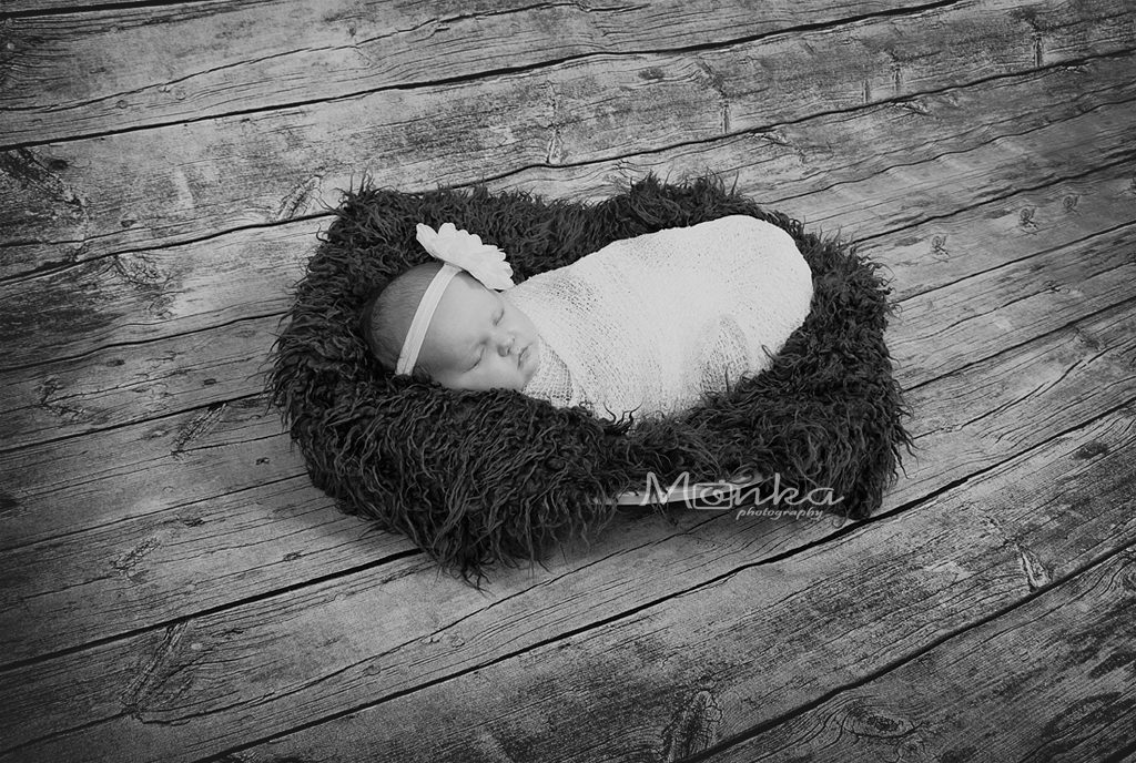 Newborn photo shoot at Monka Photography